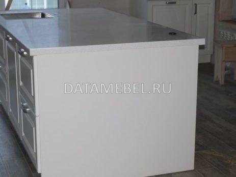 белая кухня с островом 6