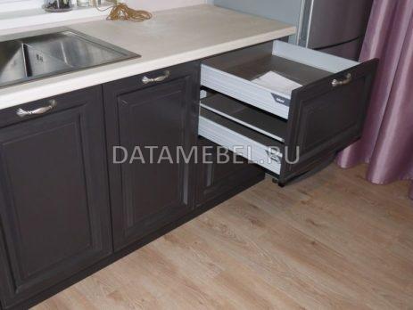 бело-коричневая кухня 5