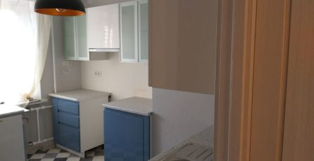 бело синяя кухня 1