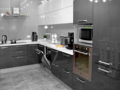 кухни глянцевый пластик 107