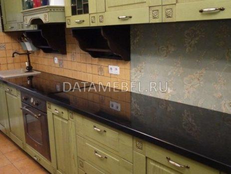 кухня с зелеными фасадами Флореале 1