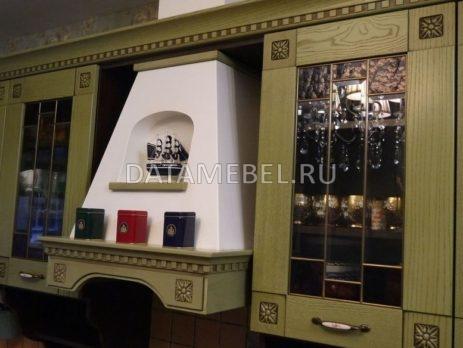 кухня с зелеными фасадами Флореале 2