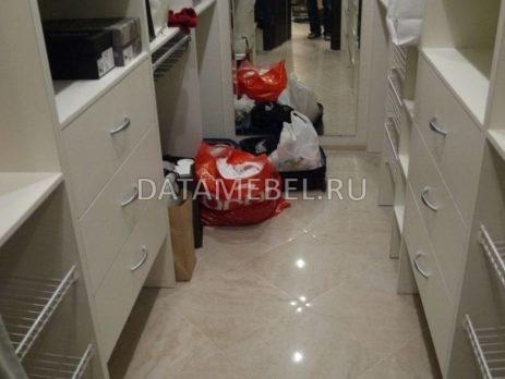 мебель в гардеробную комнату 2