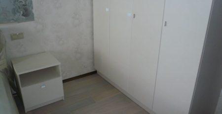 распашной шкаф и тумбы 1