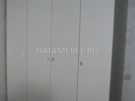 распашной шкаф и тумбы 3