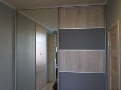 встроенный шкаф и стол 1