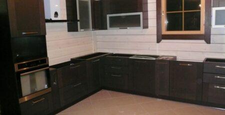 кухня с фасадами Эльба 1