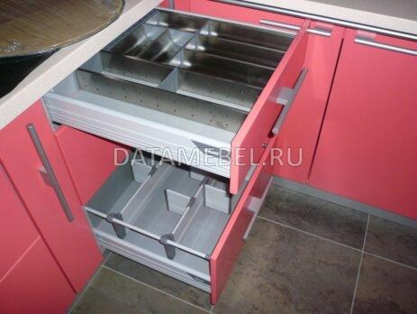 угловая красная кухня 19