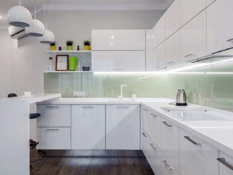 Белые кухни – особенности дизайна 15