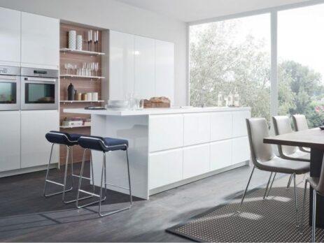 Белые кухни – особенности дизайна 17